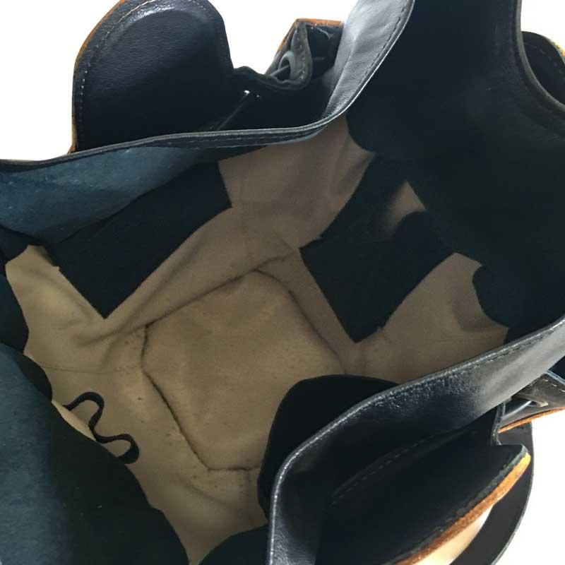 intérieur du sac cuir et bois de merisier