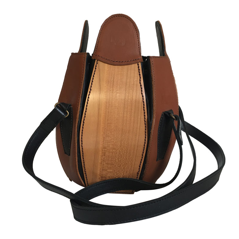 sac cuir et bois de merisier